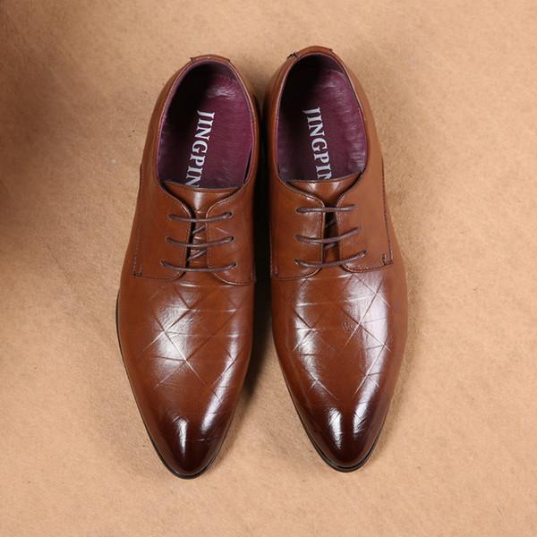Großhandel Herren Lederschuhe Luxus Britischen Gürtel Formelle Business Casual Herrenschuhe Marke Designer Koreanische Hochzeit Bankett Schuhe Von