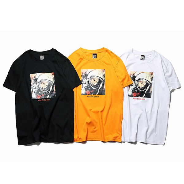 19SS new hot astronaut T-shirt fashion trend men and women short-sleeved astronaut picture print mnes tshirt hip-hop tees new promotion