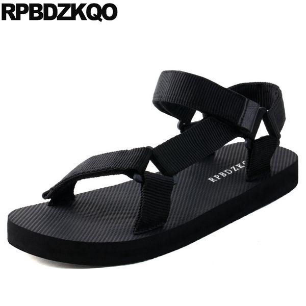 Rahat erkek sandalet 2019 yaz açık su geçirmez tasarımcı moda siyah nefes su burnu açık plaj güzel düz kayış ayakkabı