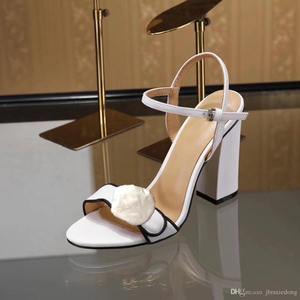 Klasik Sandalet Lady Yaz 2019 tasarımcının Sandalet Metal Toka Büyük Boy Us10 42 Deri Seksi Yüksek topuklu bayan Ayakkabıları 10 cm