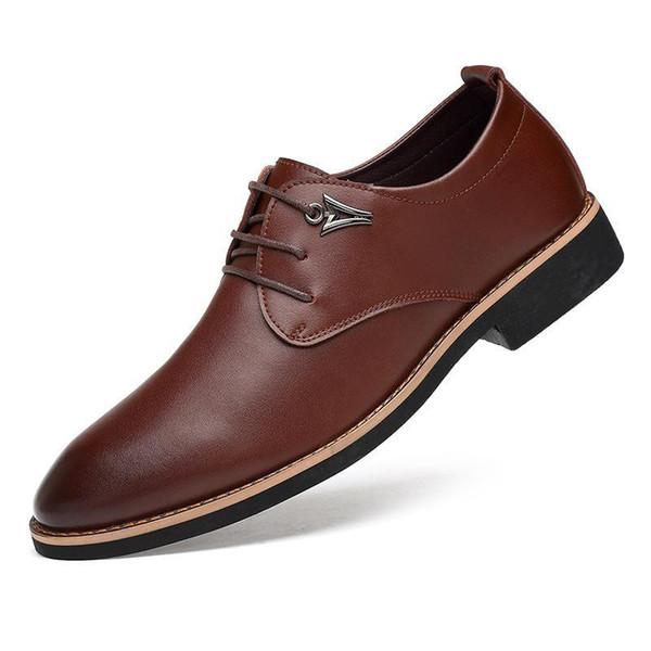 Italiano Mens Sapatos Vestido de Couro Genuíno Dedo Apontado Sapato Britânico Itália Zapatos Hombre Escritório Sapatos Formais Homens Apartamentos Pretos Marrom