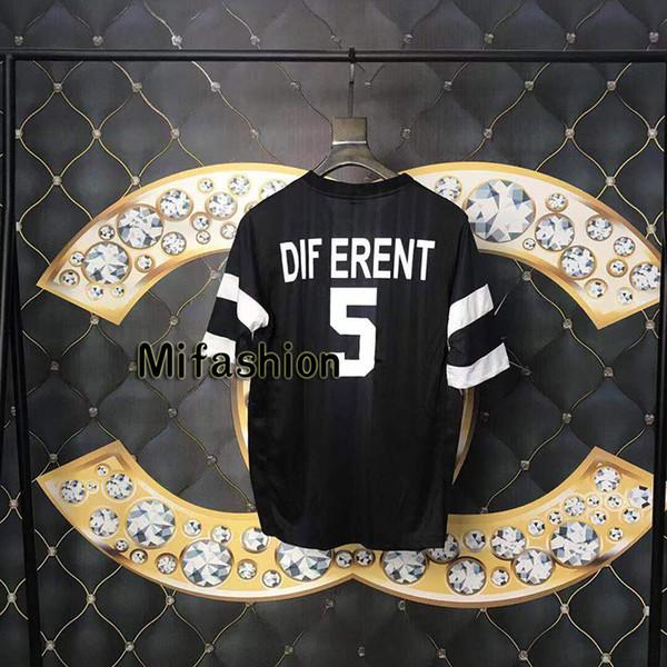 Estate di lusso Europa Italia Different 5 Stampa Tshirt Moda Uomo Donna Abbigliamento Cool Side Mesh Drain Sweat T Shirt Casual Tee
