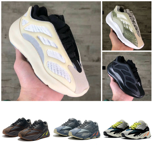 top popular KANYE WEST 700 V3 Kids 700 Blush Desert Rat V3 Super Running Shoes Utility Black Sneaker Sports Shoes With Box Size:26-35 2021