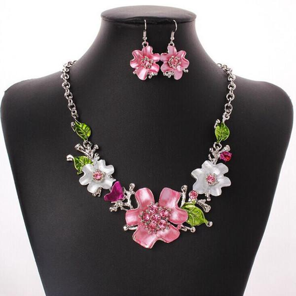 3 Adet / grup Avrupa ve Amerika moda tatlı mizaç Emaye Çiçekler Ile kristal Kolye Küpe Setleri MS Takı hediye