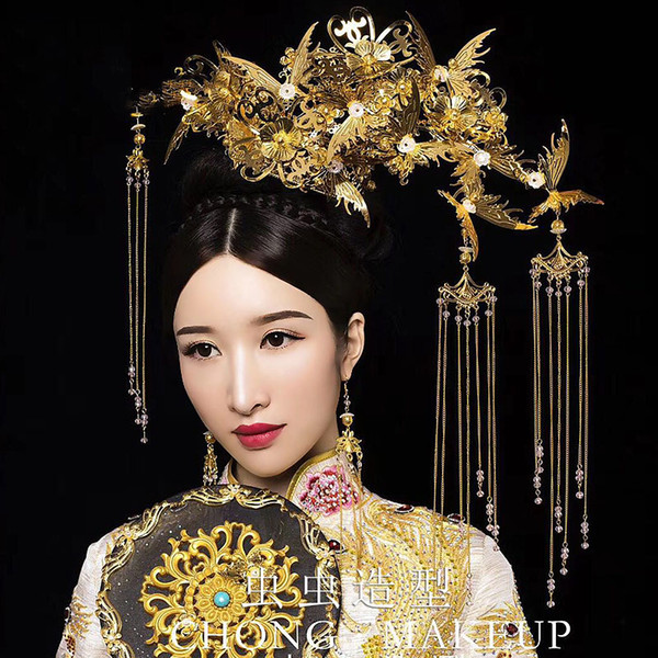 HIMSTORY Luxurious Retro Gold Chinese Wedding Bride Costume Hair Accessory Large Butterfly Designs Long Tassel Hairwear Phoenix Headdress