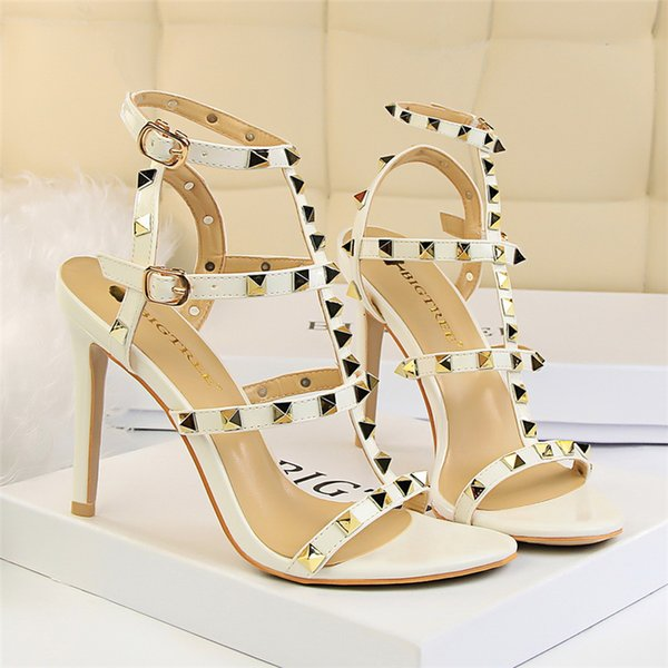2019 women slingbacks designer gladiator sandals women rivet shoes black red nude white luxury sexy extreme high heels pumps