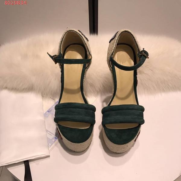 Barato nombre de la venta nuevo estilo de cuñas de estilo nacional tacón sandalia mujer verano fondo de hierba gruesa bordar es ultra zapato de tacón alto