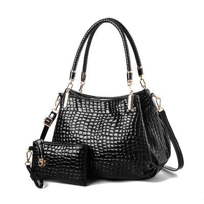New hot crocodile pattern patent leather female bag mother bag shoulder slung mobile mother bag bright leather handbag
