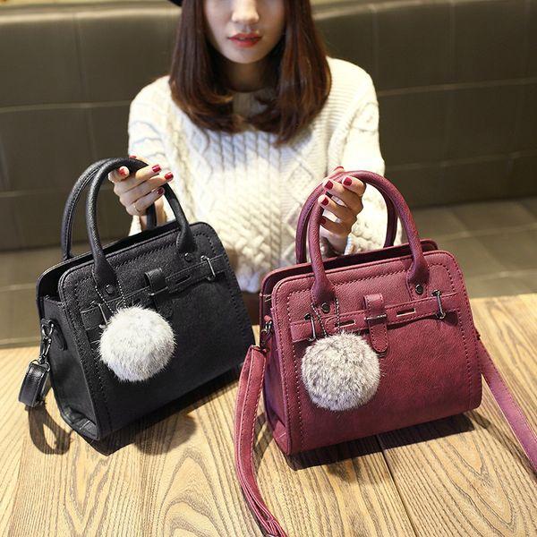 Free shipping, 2019 new woman fashion handbags, trend messenger bag, Korean version women bag, leisure hair ball ornaments flap.