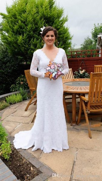 Sexy Backless Summer Boho Wedding Dresses Lace long sleeves Sheath Garden Beach Bohemian V neck fit and flare Wedding Bridal Gowns