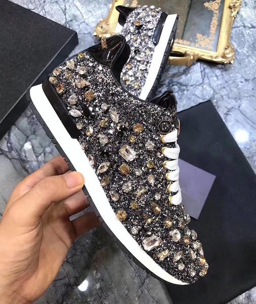 Crystal Rhinestone mujeres zapatillas con cordones para mujer zapatos vulcanizados nuevo lujo brillante punta redonda lentejuelas mujer zapatos casuales