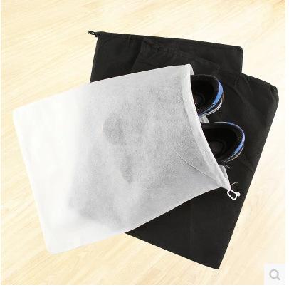 Estuche negro / blanco Zapato de almacenamiento de viaje no tejido Bolsa de polvo con asas a prueba de polvo Bolsa de almacenamiento de zapatos de viaje p