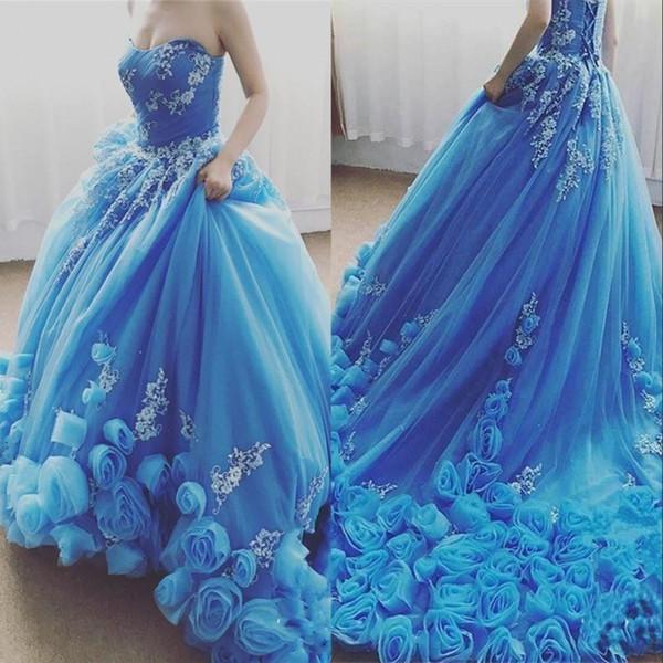 Blauer Schatz Tüll Quinceanera Kleider Spitze Applique 3D handgemachte Blume Ballkleid Sweep Zug Sweet 16 Dresse Prinzessin Abendkleid
