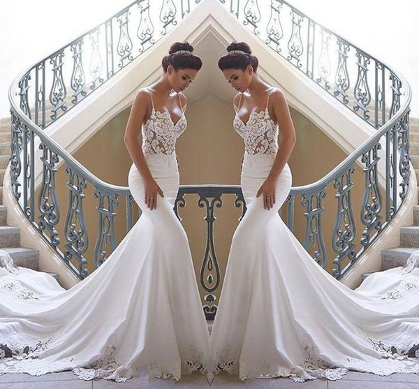2020 bretelles spaghetti dentelle robes de mariée plage sirène satin dentelle appliques balayage train Boho mariage robes de mariée robes de mariée BC0190