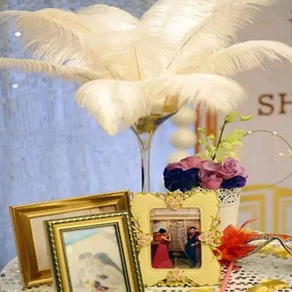 top popular 25-30cm White Ostrich Feather Plume Craft Supplies Wedding Party Table Centerpieces Decoration Free Shipping 2021