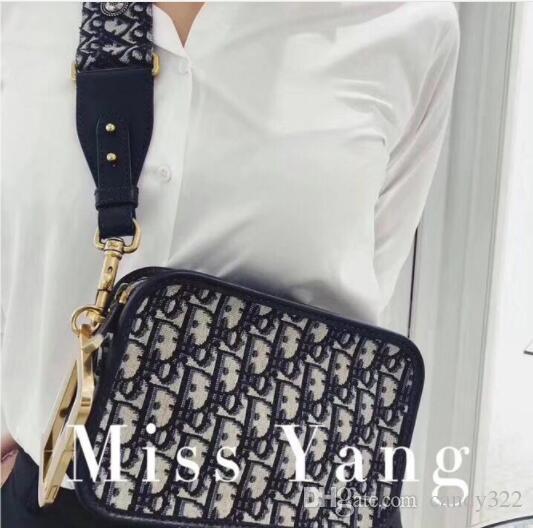 Bolso bordado de las mujeres de moda de ancho correa para el hombro Personalidad Bloqueo de hombro Bolsa de mensajero Retro Mujeres Pequeño paquete cuadrado