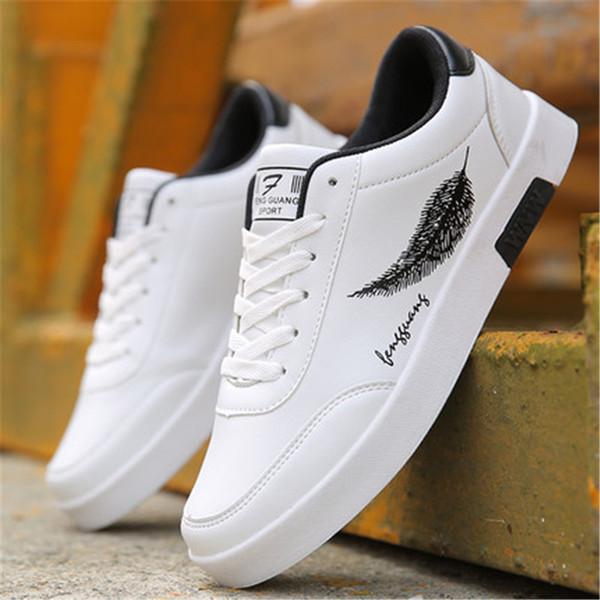 2019 primavera y otoño nuevos zapatos blancos para hombres zapatos blancos transpirables de moda salvaje cómodos casuales