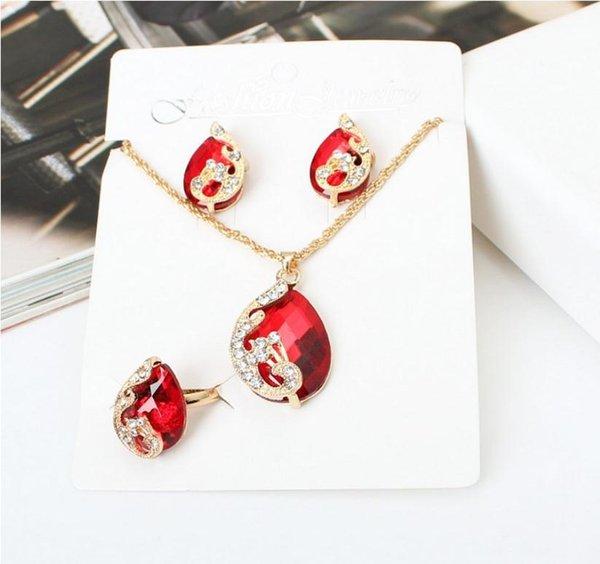 Bijoux fantaisie 2019 nouvelle liste de produits créatifs Ensemble de bijoux en cristal Ensemble en gros de bijoux sur mesure en zircone cubique