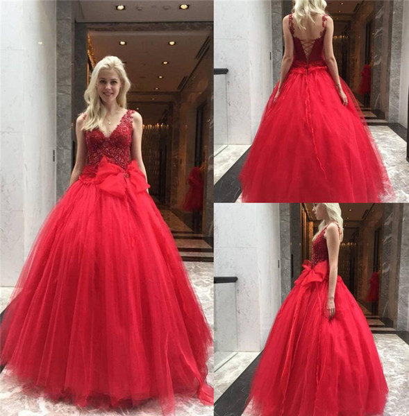 Red Ball Gown Prom Dresses V Neck Lace Appliques Beaded Bow Tie Sweet 16 Dress Floor Length Tulle Evening Party Gowns