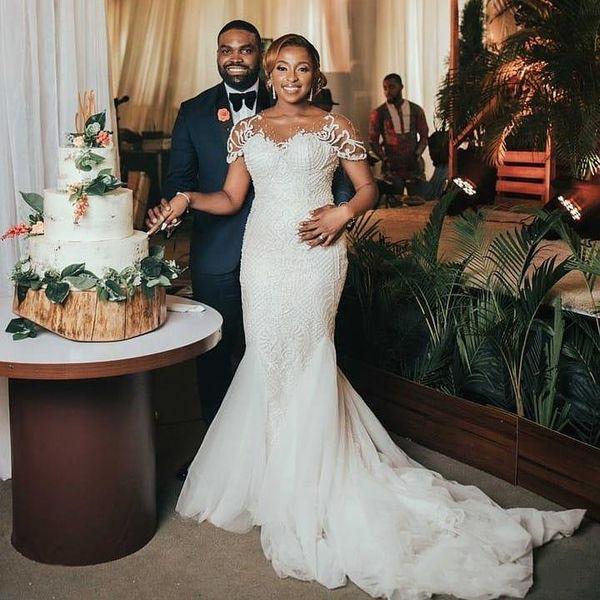 2020 Arabic Mermaid Lace Wedding Dresses Sheer Neck Short Sleeve Appliqued Trumpet Bridal Gowns Sweep Train Tulle Plus Size Vestido De Novia