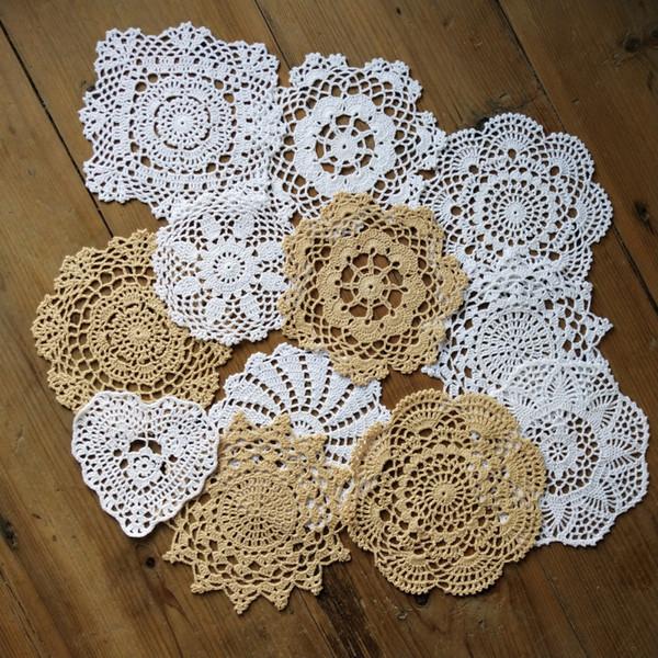 12 Başına tasarım Başına 1 ADET Güzel Mutlu çiçek 4 Bej 8 Beyaz Tığ desen yuvarlak doilies ~ Çap 5