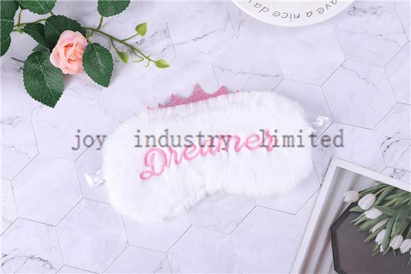 الأبيض والوردي