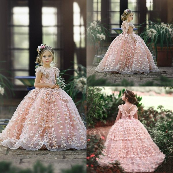 Vestidos lindos de niña de las flores de color rosa 2019 Cap Sleeves 3D Apliques florales Vestidos de niñas pequeñas Vestidos para niños Vestido de fiesta formal hinchado