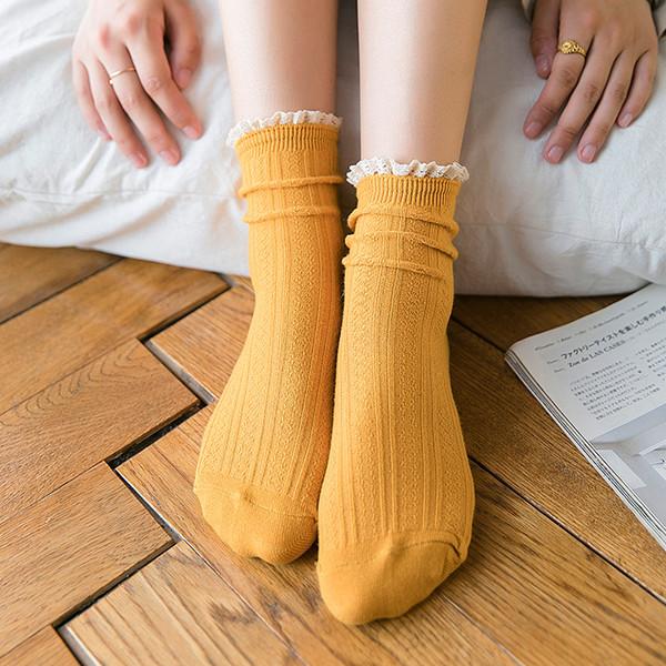 2019 Kadın Çorap Sonbahar Yeni Moda Dantel Çorap Pamuk Düz Renk Sevimli Kadın Moda Lady Uzun Japonya Kolej Tarzı