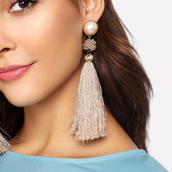 Personalidad de la moda Elemento chino Línea de nudo chino Pendientes largos de borla, estilo retro nuevos adornos de oreja
