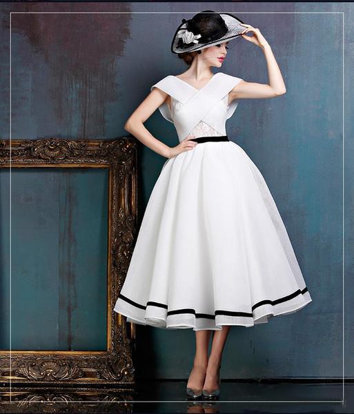 Longueur De Thé Robes De Mariée 2019 Noir Et Blanc Criss Cross Robe De Mariée De Mode Robe De Mariée À Dossier Bas