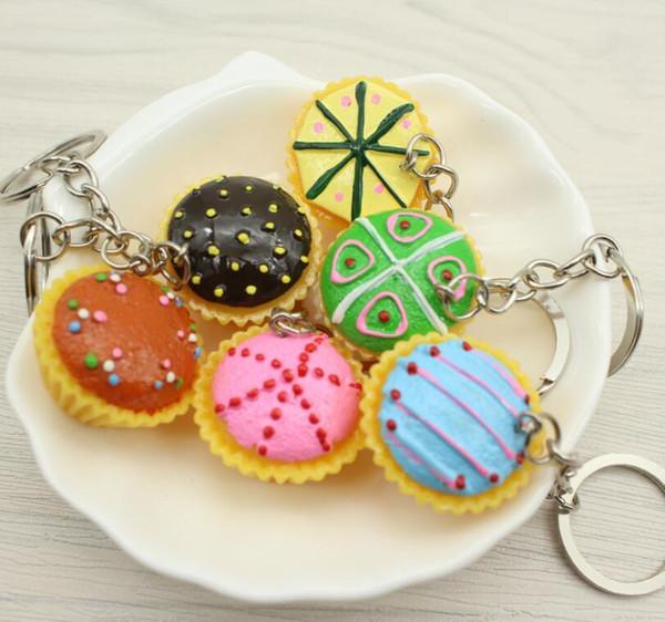 40pcs / lot résine de gâteau de couleur mélangée Keychain, porte-clés pendentif gâteau de cuisine de simulation, cadeau de promotion, personnalité, cadeau créatif