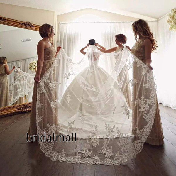 White Ivory Lace Long Wedding Veils with Beads Sequins Cathedral Bridal Veils With Comb 1 Tiers Lace Appliqued Chapel Single Bridal Veils