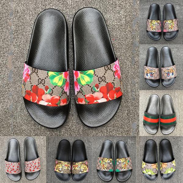 2019 Erkek Tasarımcı Sandalet Nedensel Kauçuk Yaz Lüks Terlik Moda Geniş Düz Kaygan Slaytlar Terlik Flip Flop Boyutu 36-45