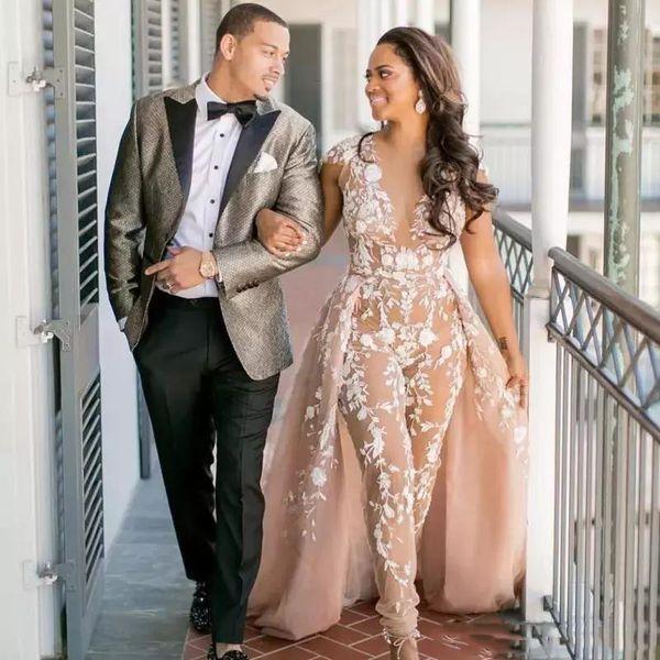 Champagne Jumpsuit Vestidos de novia de encaje con falda larga Camisa con cuello en V Cap Manga Vestidos de novia Sweep Train Saudi Arabia Vestido de novia personalizado