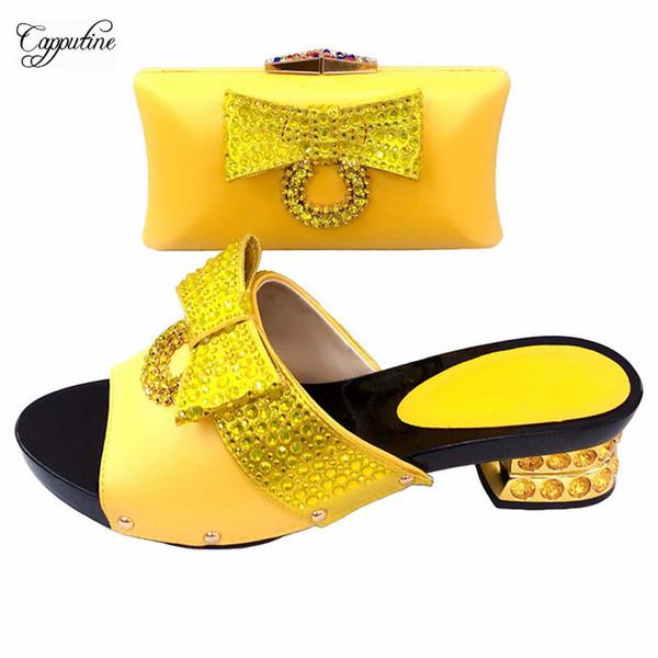 Bonita boda / fiesta de color amarillo con zapatos de bomba y conjunto de bolsos que combinan perfectamente con el vestido T530-1, tamaño 37-43