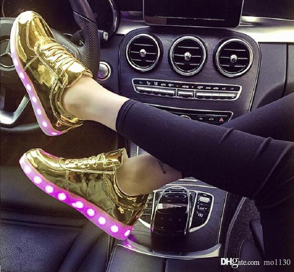 New UncleJerry Tamanho 31-46 USB chargering Sapatos Leves para crianças adultos Light Up Sneakers para meninos meninas homens mulheres Glowing Party Shoes