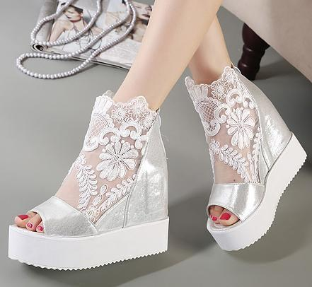Sexy2019 ViVi Lena dulce encaje sandalias blancas Sandalias de cuña de plataforma alta Invisible Altura aumentada Peep Toe Mujeres Zapatos 2 colores