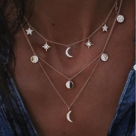 Boho collar de múltiples capas de lentejuelas de cristal luna estrellas colgante collar para mujeres y niñas (oro)