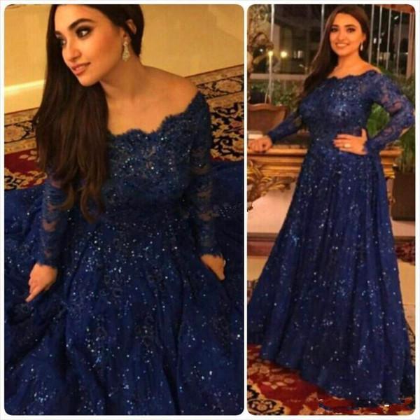 Bleu marine Sparkly Vintage Robes de soirée pas cher 2019 manches longues Perles cristaux jabot balayage train dentelle Taille Plus arabe formelle Robes de bal
