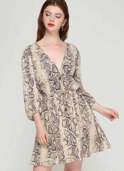 2019 new popular women Sexy SNAKE-PRINT button long-sleeved V-collar dress for women in spring and Autumn