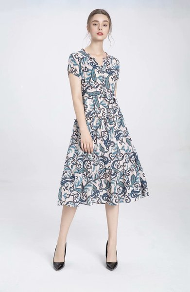 Strictly select a new V-neck short sleeve waist wavy lace lace dress with self-improvement printing