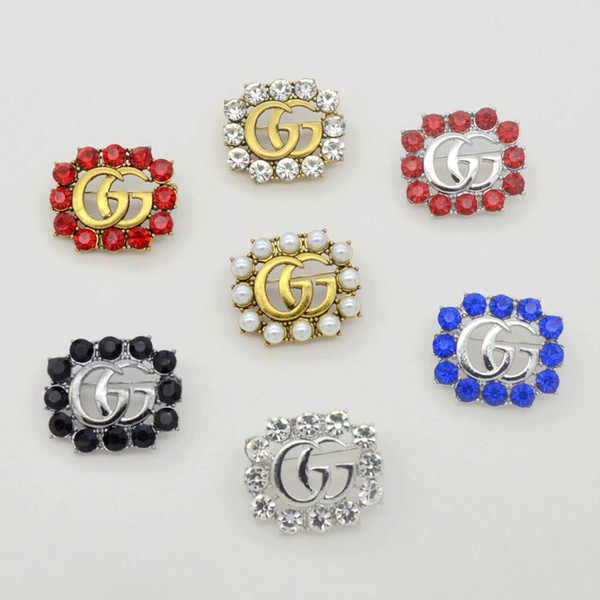 Nouveau Marque Designer Broches De Luxe Célèbre Perle Broche Femmes Diamant Broche Broches De Mode Femmes Bijoux Costume Décoration