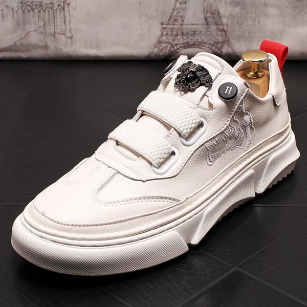 Cómodos mocasines para hombre de punta redonda zapatos de los hombres zapatos de cuero joven manera ocasional Negro Blanco de los holgazanes de los hombres 6 # 20 / 20D50