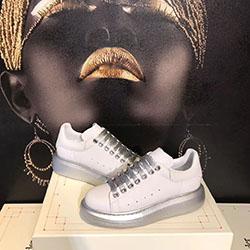 Designer Luxury Casual Shoes Mens Womens Skateboarding Shoes Sneakers Glitter Shinny Heelback Dress Shoe Tennis chaussures b06133
