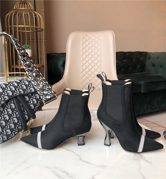 Botas de guerra sexy de piel de becerro de gama alta de la serie Otoño e Invierno 2019, tacón galvanizado avanzado, botines de tacón alto para mujer