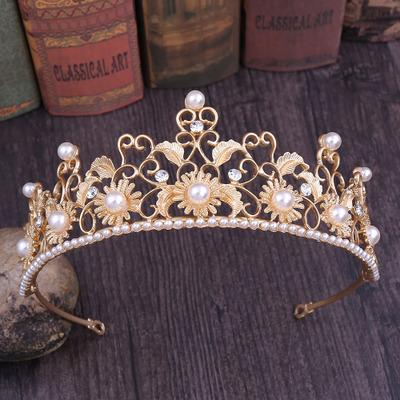 2019 explosion models European and American retro Baroque sun flower crown / bride pearl hair accessories wedding dress accessories