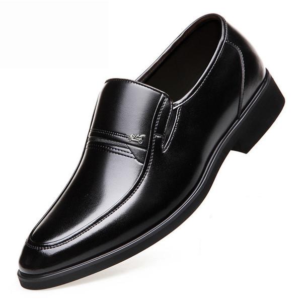 Zapatos de vestir para hombre Cuero de primavera Marca de fábrica cómoda Moda social Hombres Zapato social # MS8116112