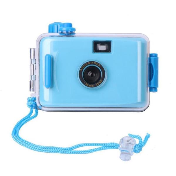 La caméra LOMO étanche utilise plusieurs fois la caméra.