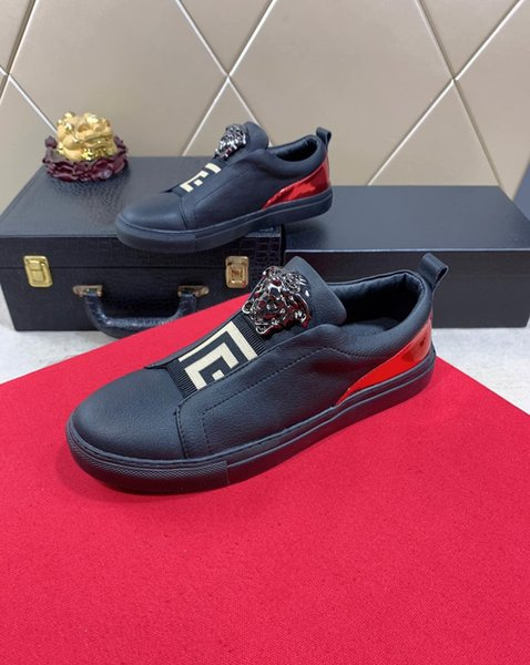 Los zapatos ocasionales de los hombres de lujo del diseñador caliente 2019d, los zapatos de los deportes de los hombres salvajes de la moda al aire libre de la tendencia, tamaño: 38-45