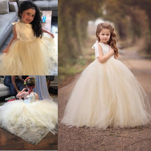 2020 New Ivory Lace Flower Girl Dress with Champagne Tutu Tulle Skirt Ribbon Strap Off Shoulder Puffy Princess Girls Ball Gown for Wedding